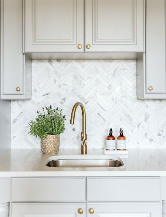 Modern herringbone pattern to give unique elements to your kitchen 20