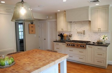 Modern herringbone pattern to give unique elements to your kitchen 24
