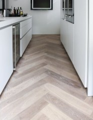 Modern herringbone pattern to give unique elements to your kitchen 33