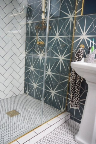 Stunning herringbone patterns for your bathroom wall 46