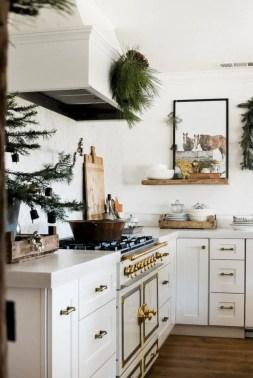 Adorable farmhouse christmas decor ideas 31