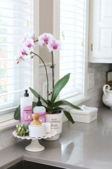 Awesome clutter-free ideas to organize your countertop 18