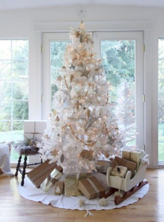 Awesome silver and white christmas tree decorating ideas 37