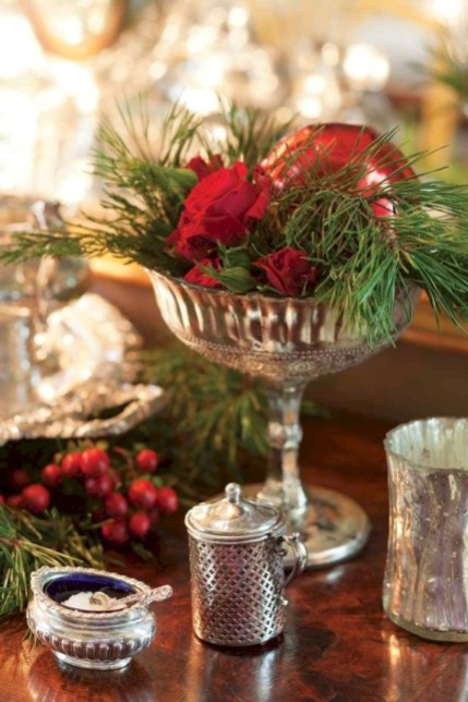 Beautiful christmas centerpiece ideas you should try 05