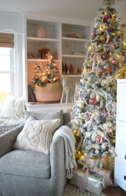 Beautiful christmas decor for small space 20