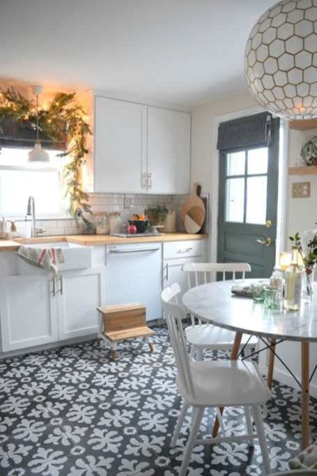Beautiful christmas decor for small space 32