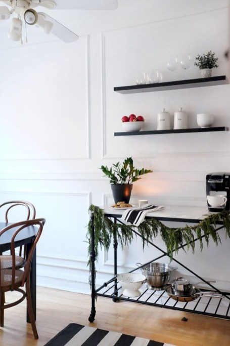 Beautiful christmas decor for small space 33