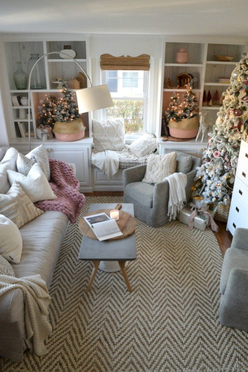 Beautiful christmas decor for small space 37