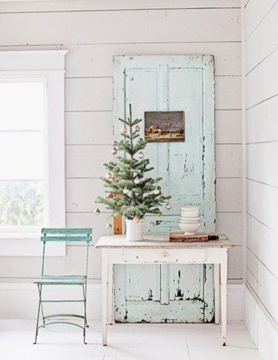 Beautiful christmas decor for small space 49