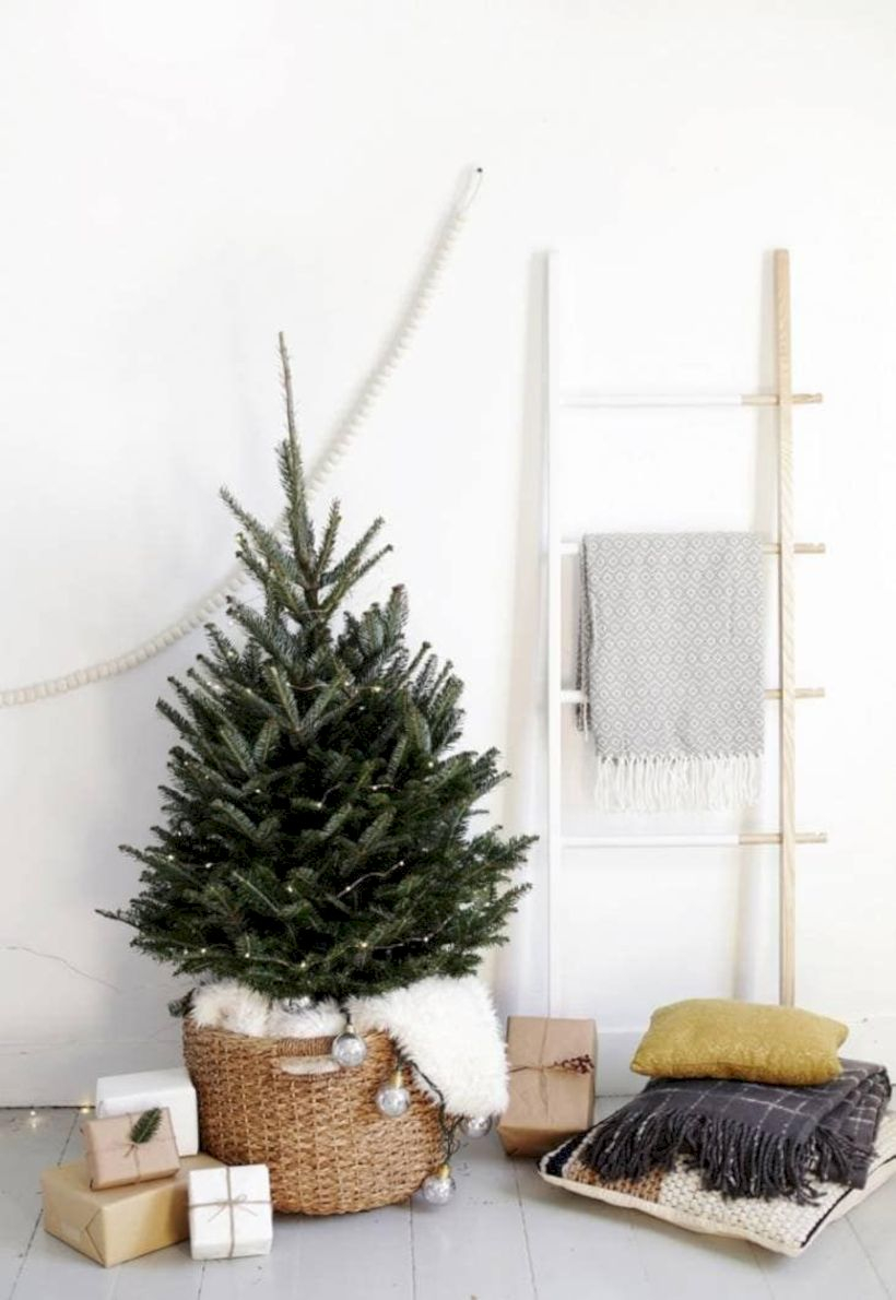 Beautiful christmas decor for small space 50