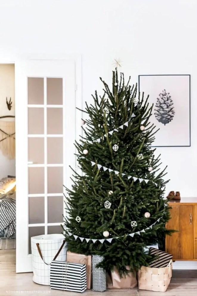 Beautiful christmas tree decoration ideas to see 10
