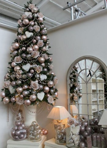 Beautiful christmas tree decoration ideas to see 26
