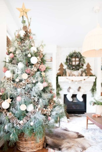 Beautiful christmas tree decoration ideas to see 37