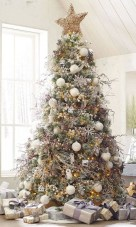 Beautiful christmas tree decoration ideas to see 47