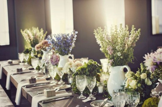 Beautiful winter table decoration ideas for a romantic dinner 07