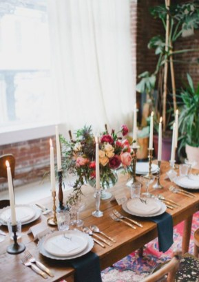 Beautiful winter table decoration ideas for a romantic dinner 23