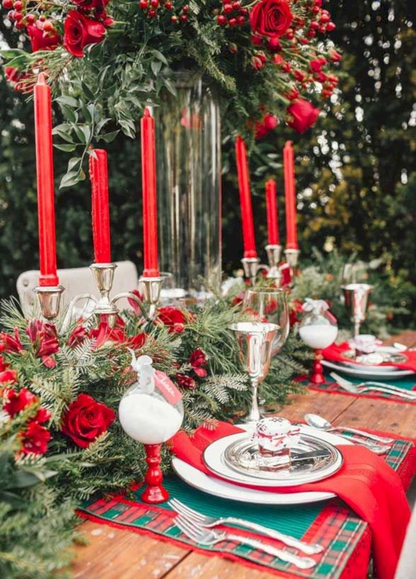 Beautiful winter table decoration ideas for a romantic dinner 29
