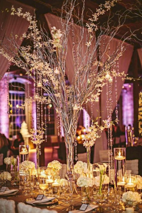 Beautiful winter table decoration ideas for a romantic dinner 43