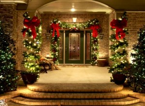 Easy christmas decor ideas for your door 27