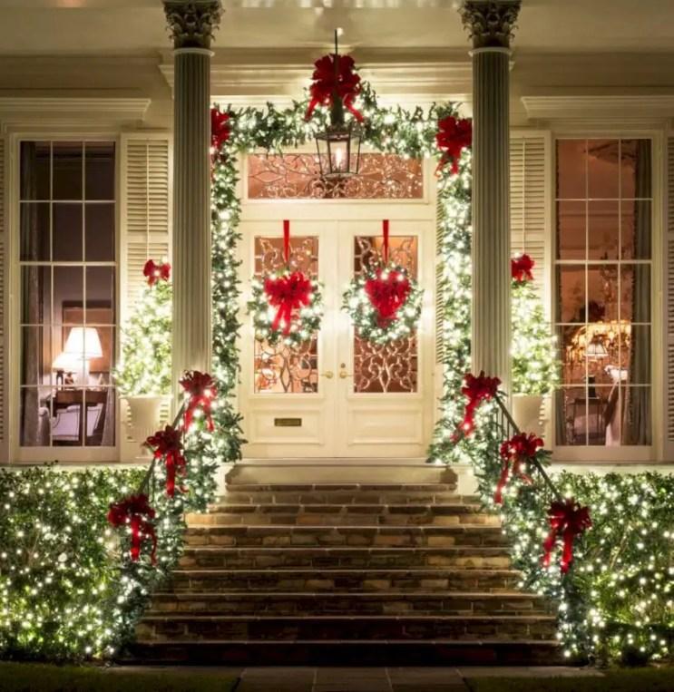 Easy christmas decor ideas for your door 28