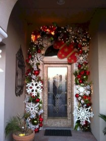 Easy christmas decor ideas for your door 34