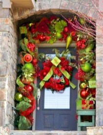 Easy christmas decor ideas for your door 36