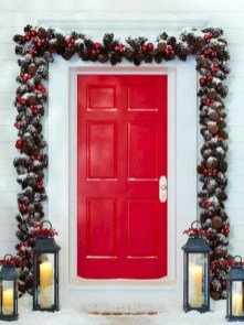 Easy christmas decor ideas for your door 44