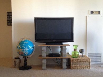 Modern tv stand design ideas for small living room 38