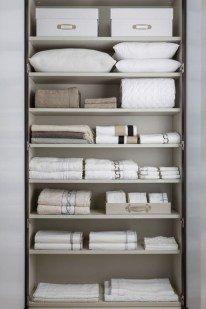 Ways to organizing your chaotic linen closet 22