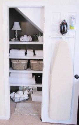 Ways to organizing your chaotic linen closet 26