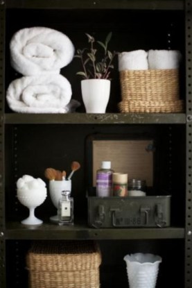 Ways to organizing your chaotic linen closet 27
