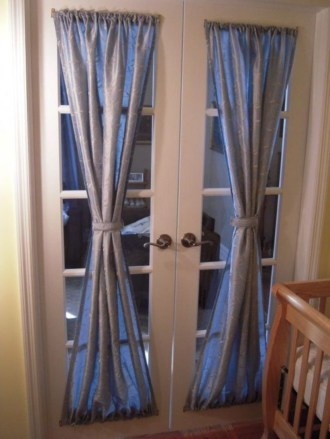 Window treatment and curtain ideas to beautify your window space 50