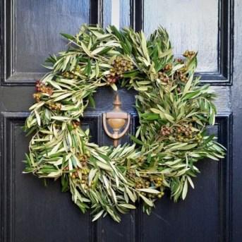 Winter christmas wreath to compliment your door 12