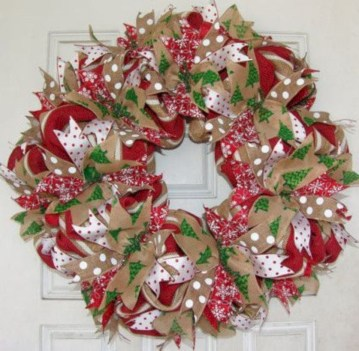 Winter christmas wreath to compliment your door 35