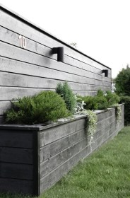 Beautiful yet functional privacy fence planter boxes ideas 02