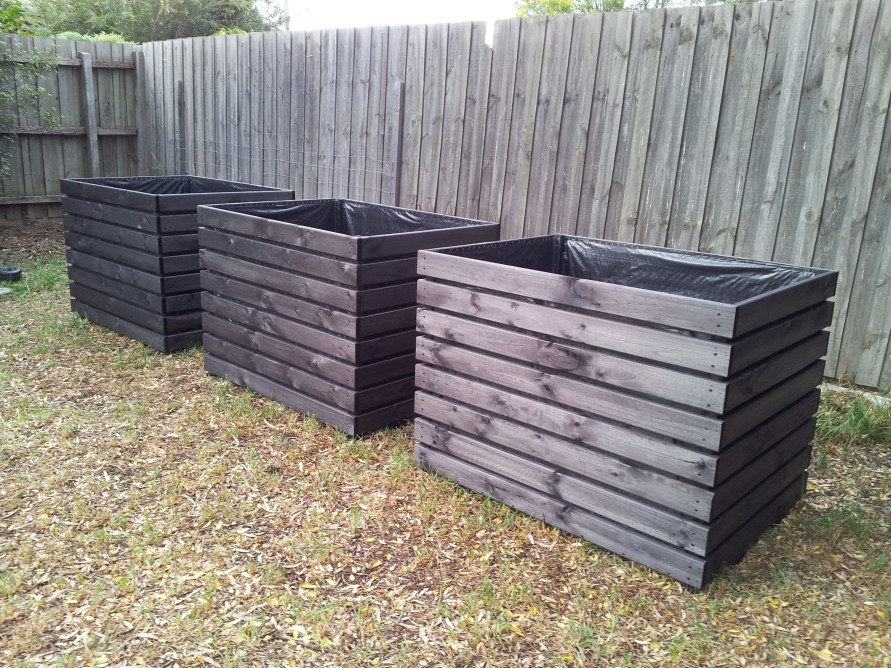 Beautiful yet functional privacy fence planter boxes ideas 36