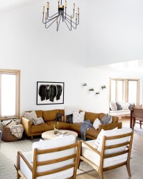 Cozy living room decor ideas to make anyone feel right at home 46