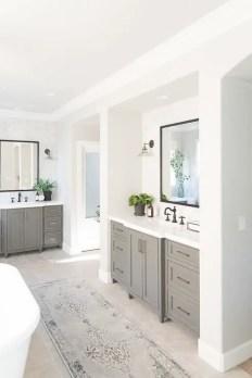 Cozy master bathroom decor ideas 34