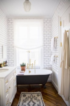 Cozy master bathroom decor ideas 35