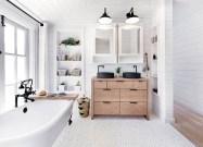 Cozy master bathroom decor ideas 36