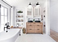 Cozy master bathroom decor ideas 36