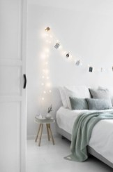 Cozy and beautiful bedroom for winter decor ideas 01
