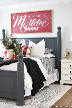 Cozy and beautiful bedroom for winter decor ideas 28