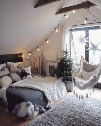 Cozy and beautiful bedroom for winter decor ideas 54