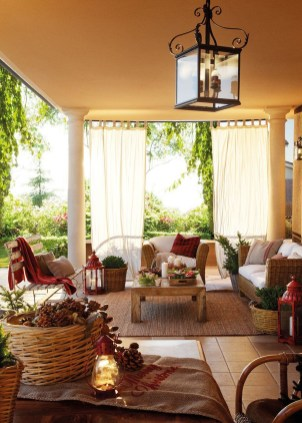 Fabulous winter patio decorating ideas 31