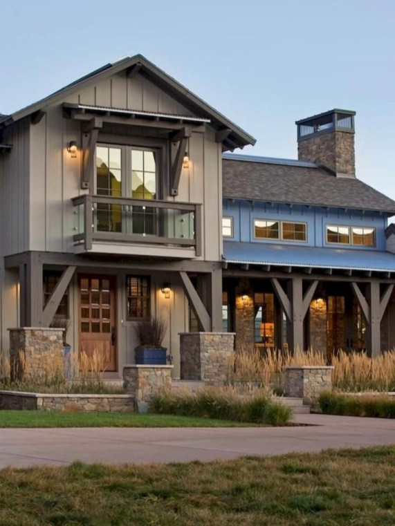 Modern farmhouse exterior design ideas 02