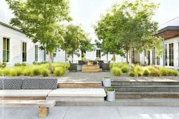 Modern farmhouse exterior design ideas 03