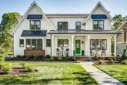 Modern farmhouse exterior design ideas 32