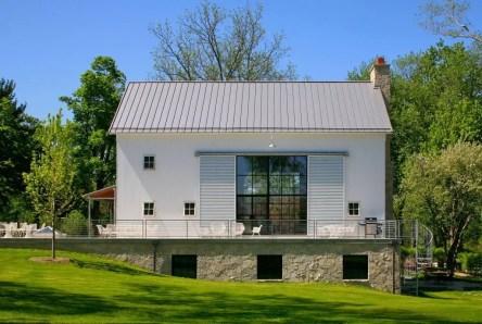 Modern farmhouse exterior design ideas 40