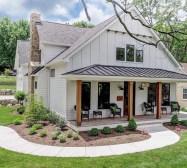 Modern farmhouse exterior design ideas 42